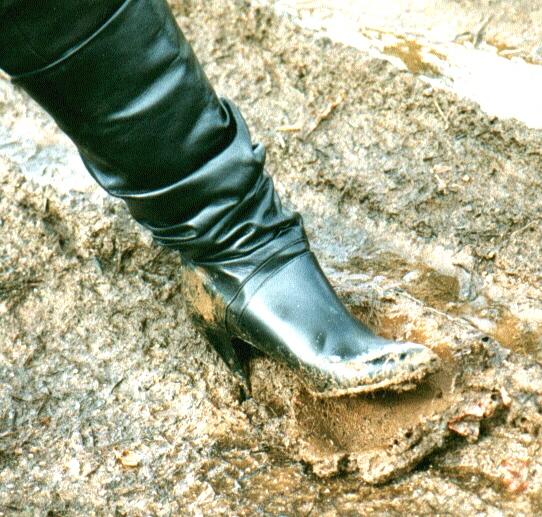 girl-muddy-boot-fetishtures-boat-fuck